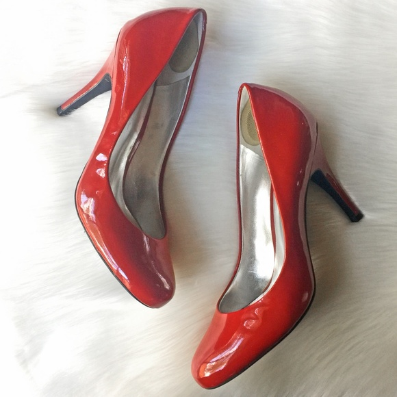 f473253ba21 Jessica Simpson Round Toe Red Patent Leather Pumps